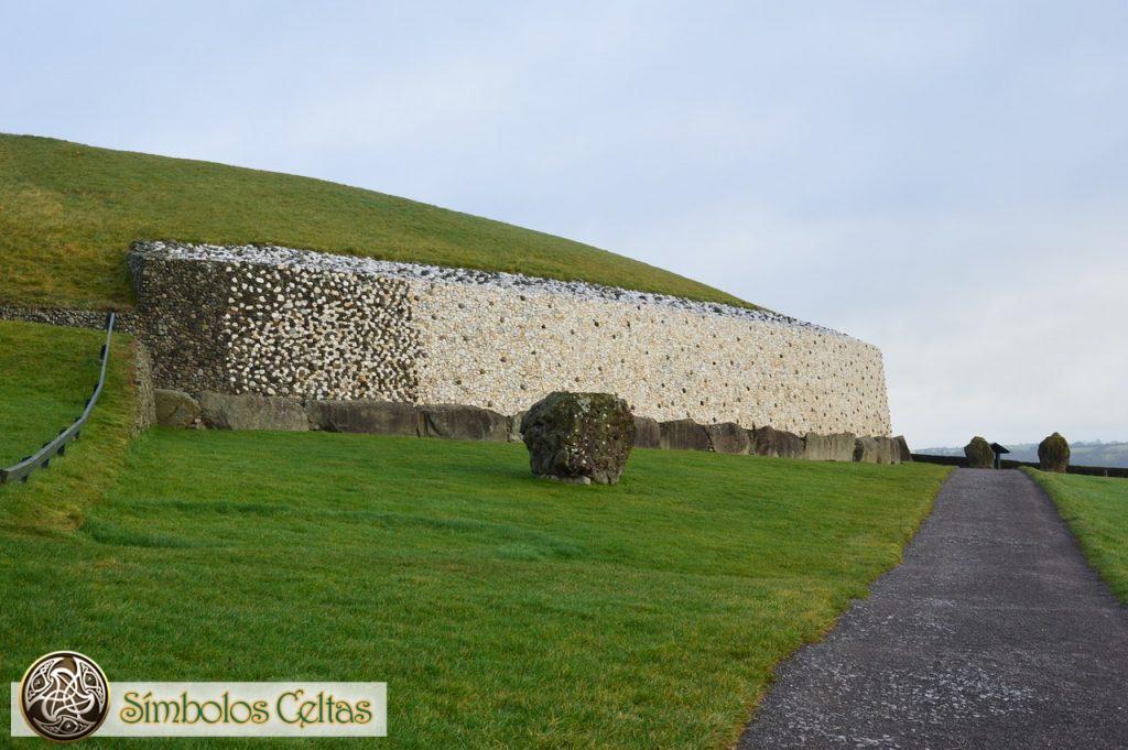 Diseños y relieves de Newgrange